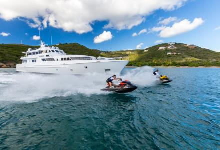 7 reasons to charter Sea Falcon at her discounted rate