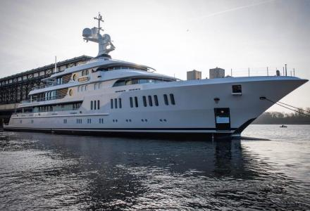 74m Aurora launched by Lurssen
