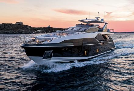 27m Grande introduced by Azimut in Cannes