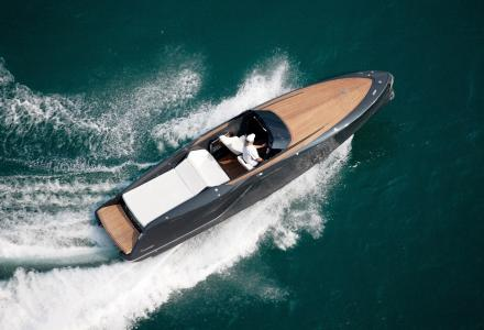 Frauscher's new 858 Fantom Air Flies at 45 Knots.