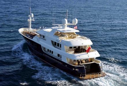 39m explorer yacht Safira listed for sale