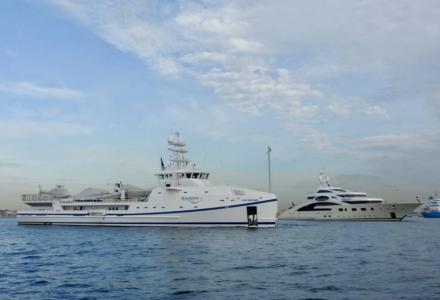 Video: Ace and her support ship Garcon spotted in Gibraltar