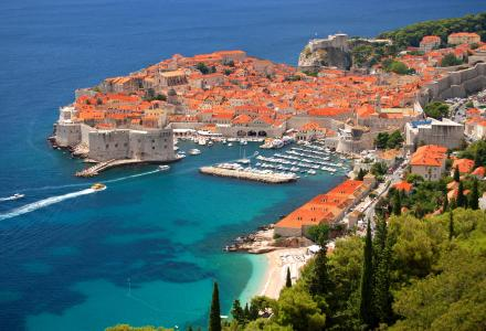 How to charter a yacht in Croatia?