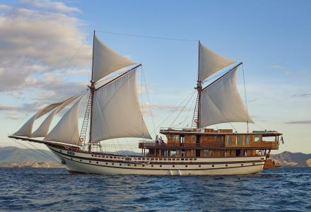 55-metre wooden phinisi yacht Prana launched in Indonesia