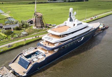 87-metre superyacht Lonian by Feadship is going to the sea