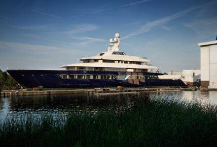 Amazing footage of new 87-metre superyacht Lonian