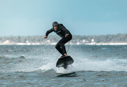 Awake electric surfboards : high-end technology and design