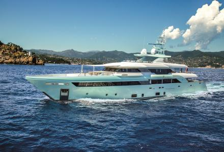 Check the new video of the 50-meter superyacht Latona by CRN