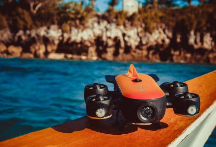 World's first diving drone equipped with robotic arm