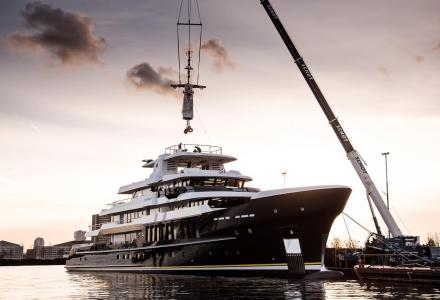 Hakvoort launches flagship 64m Scout