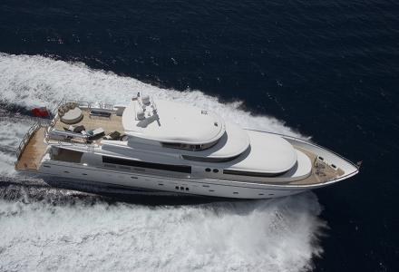 Welcome to new large-volume Johnson Yachts 110 Skylounge