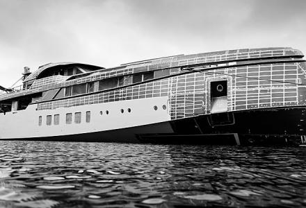 50m high-speed Feadship Project 706 takes on outfitting