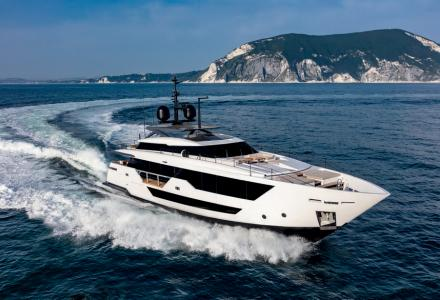 Ferretti reveals new Custom Line 106