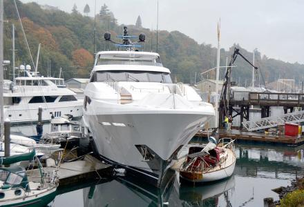 38m superyacht Westport 125 slams into a dock and damages vessels in Washington