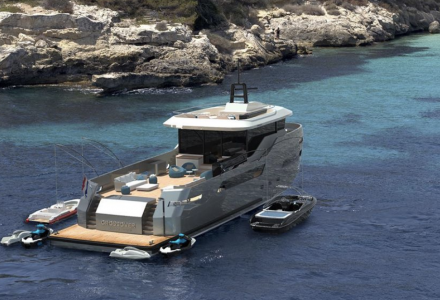 Inside new Crossover 27 by Lynx Yachts