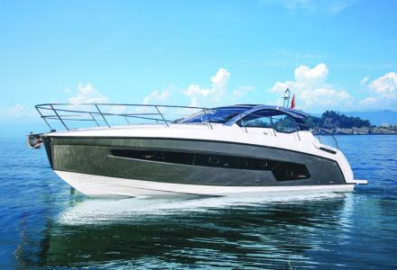 Azimut Atlantis 45 equipped with Volvo Penta Assisted Docking SystemWill Make Its International Debut at the 2021 PBIBS