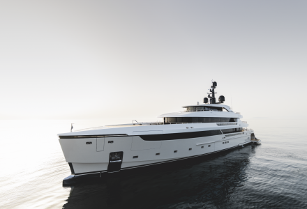 Strong and Elegant: Sanlorenzo 62Steel