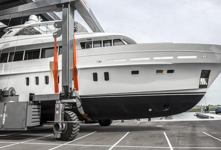 Mulder launches new 94ft yacht