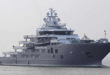 The 107m Ulysses spotted in Barcelona