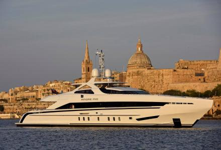 New photos of Heesen superyacht Amore Mio