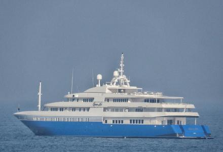 First images of 91m Queen Miri post refit