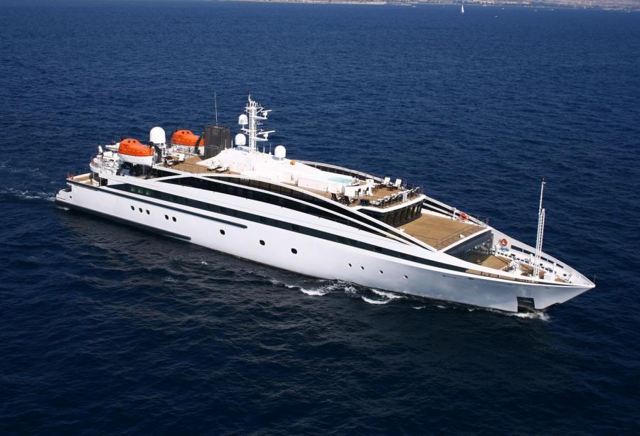 Yacht Crew Luxembourg: Motor Yacht Elegant 007