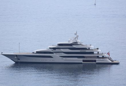 Feadship Yacht Harbour