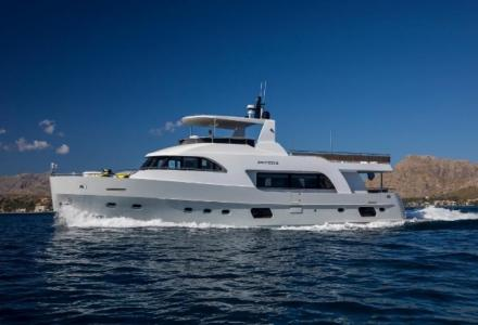 yacht Eighteen 2