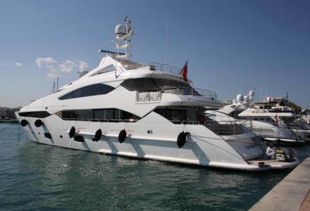 yacht Sea Raider V
