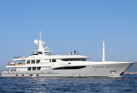yacht Apollo