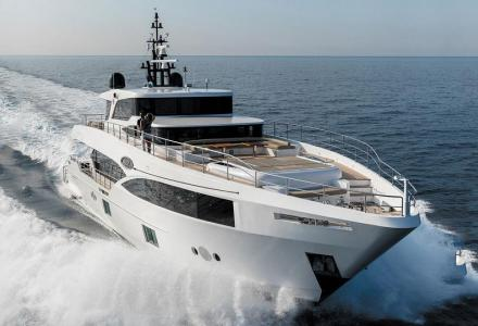 yacht Majesty 100-08