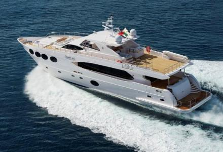 yacht Majesty 105