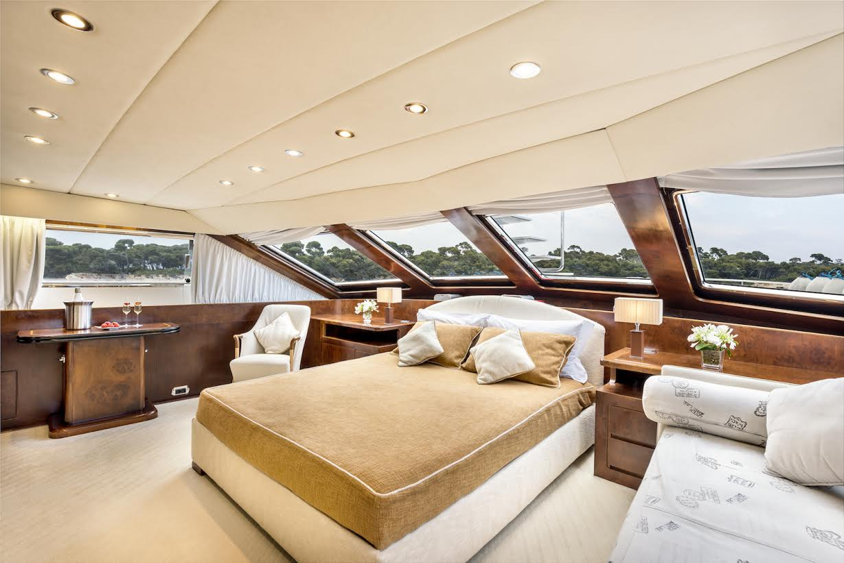 What are some features of Marine windows?
