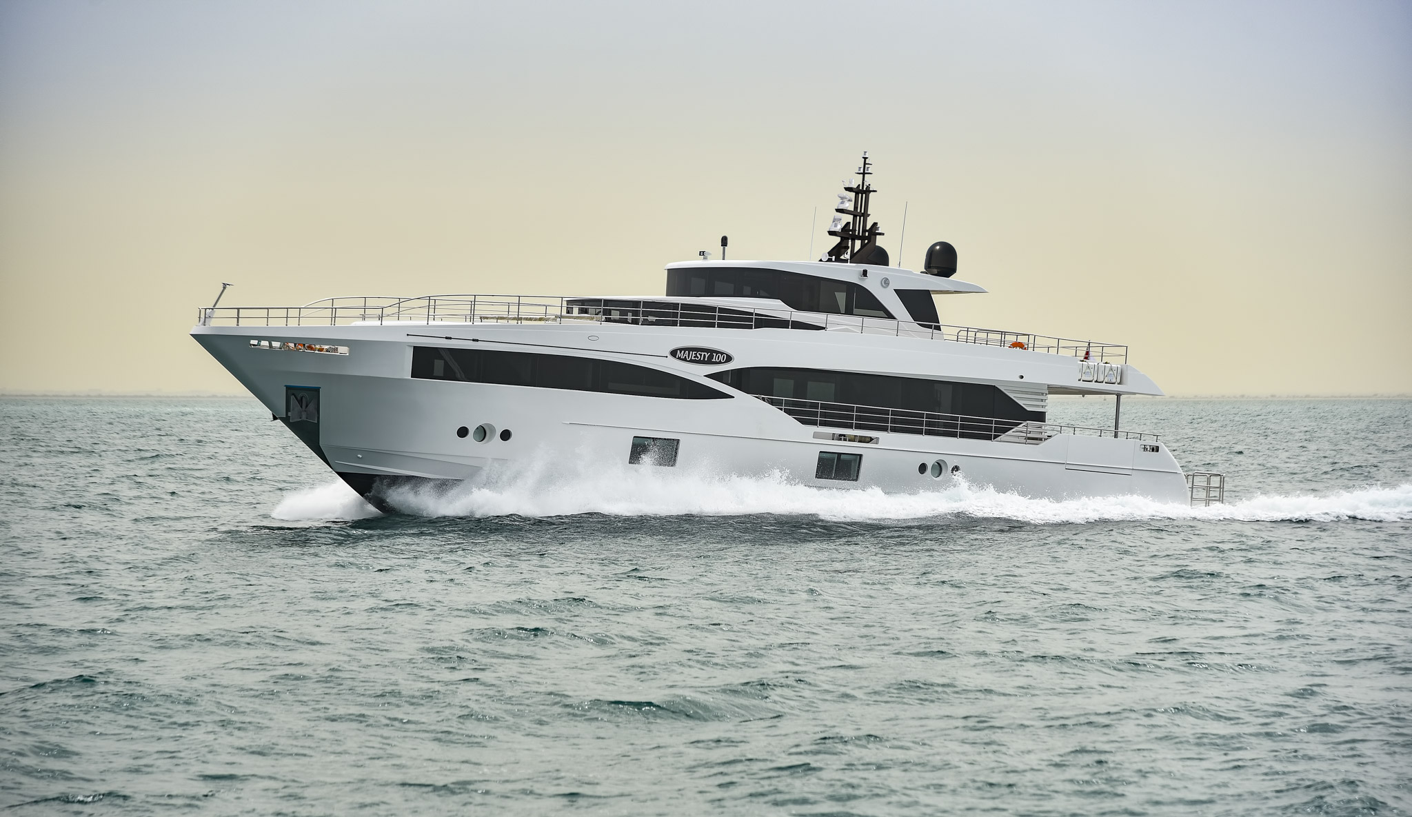 Gulf craft launches first majesty 100 yacht in dubai for Gulf craft boats for sale