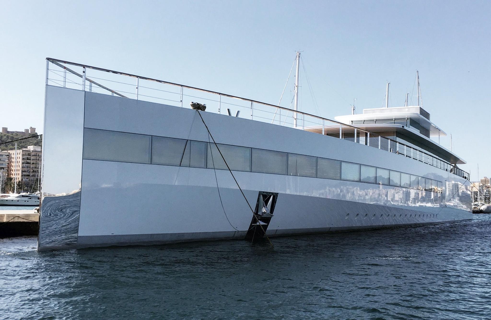 Steve Jobs Yacht Bridge