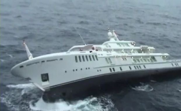 Yogi Inside The Largest Yacht That Ever Sank Yacht Harbour