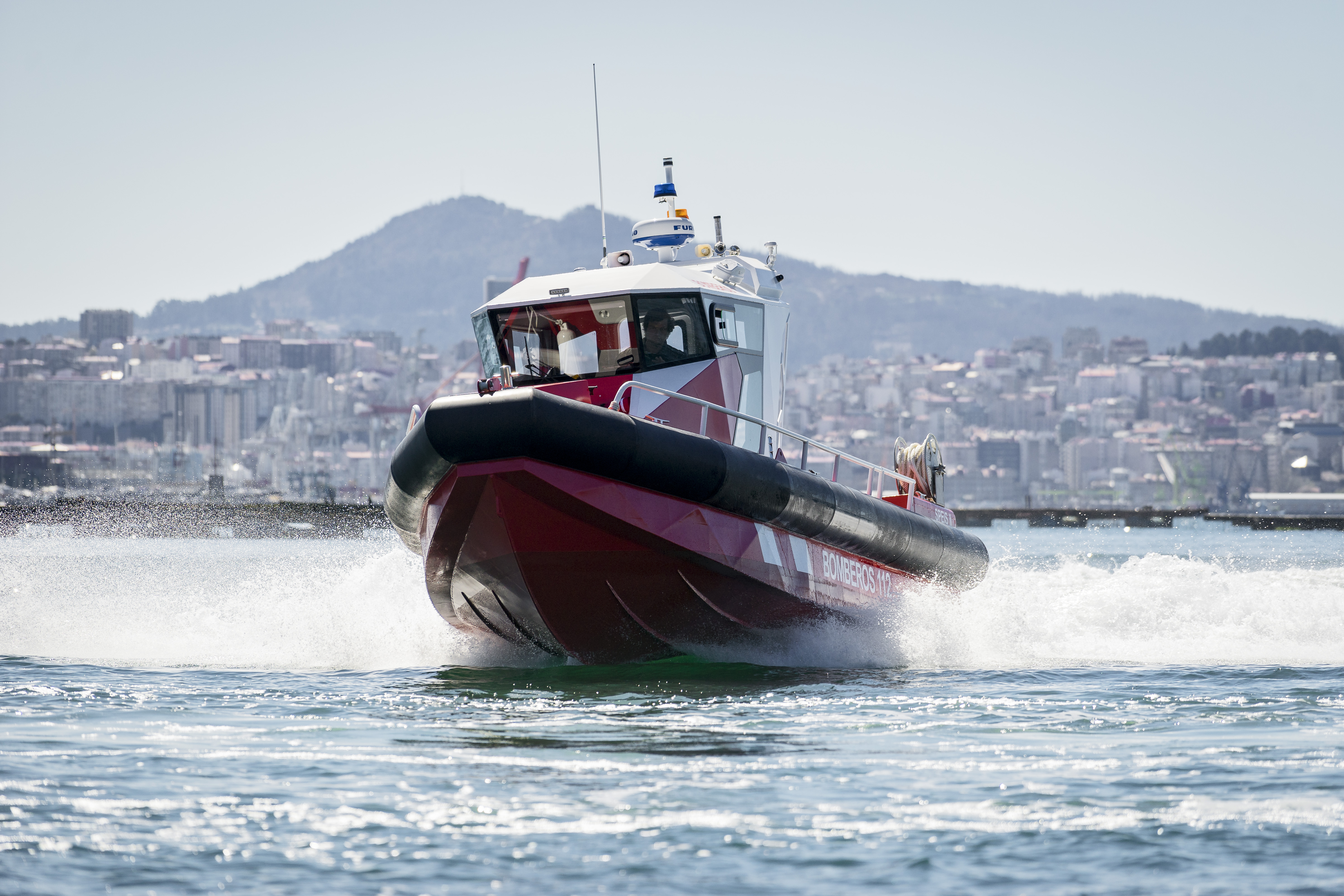 Aister delivers an aluminium fireboat to Alicante