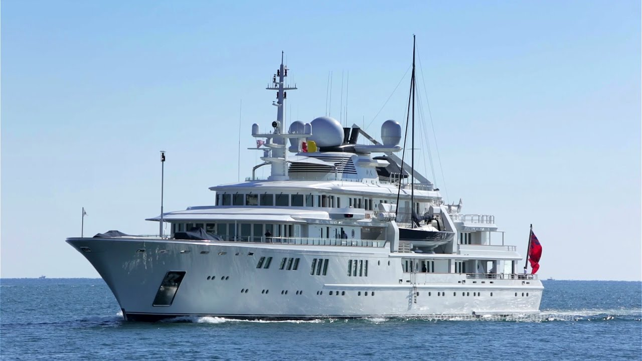 Tatoosh - 92-metre yacht built by Nobiskrug in 2001 and owned by an American billionaire Paul Allen with net worth of $19,9 bln. An enormous cruise ship is ...