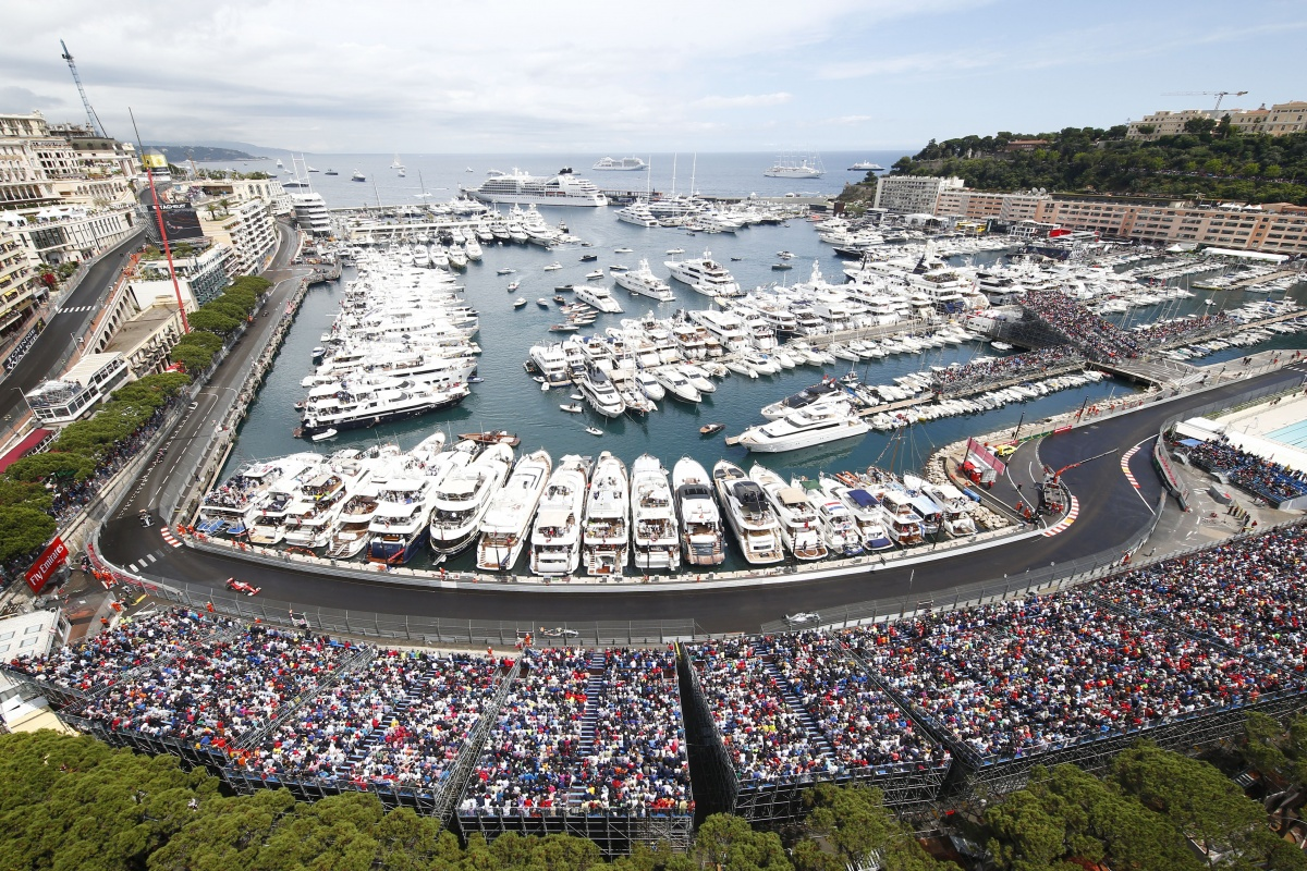 monaco grand prix 2018 500 million yacht and celebrities yacht harbour. Black Bedroom Furniture Sets. Home Design Ideas