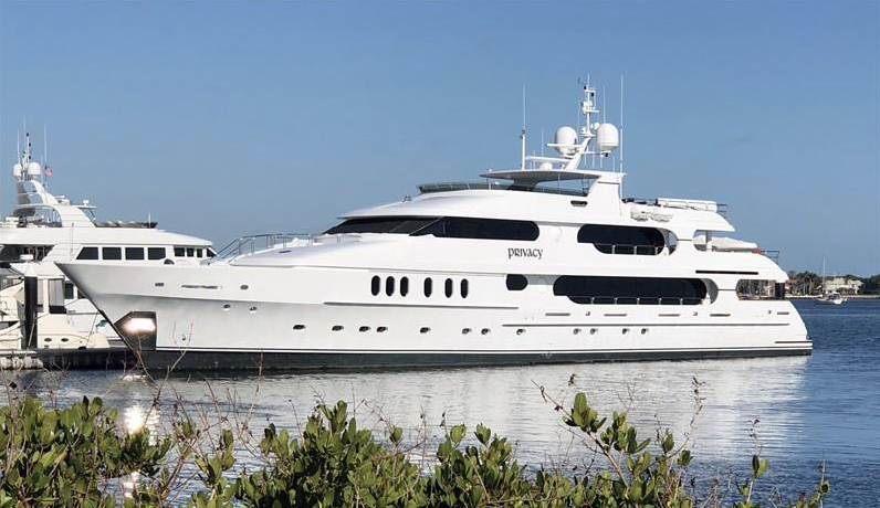 opulent lifestyle   tiger woods u0026 39   20 million 47-metre yacht privacy spotted