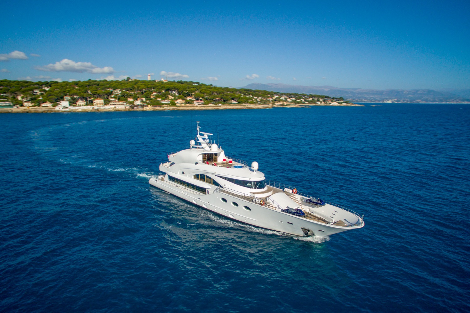 5 reasons why Fathom should be the next yacht you buy - Yacht Harbour