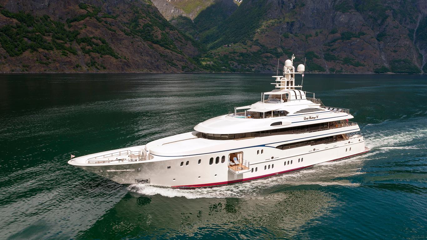 À l'intérieur du yacht de luxe Lurssen de 61 mètres | Lady Kathryn V