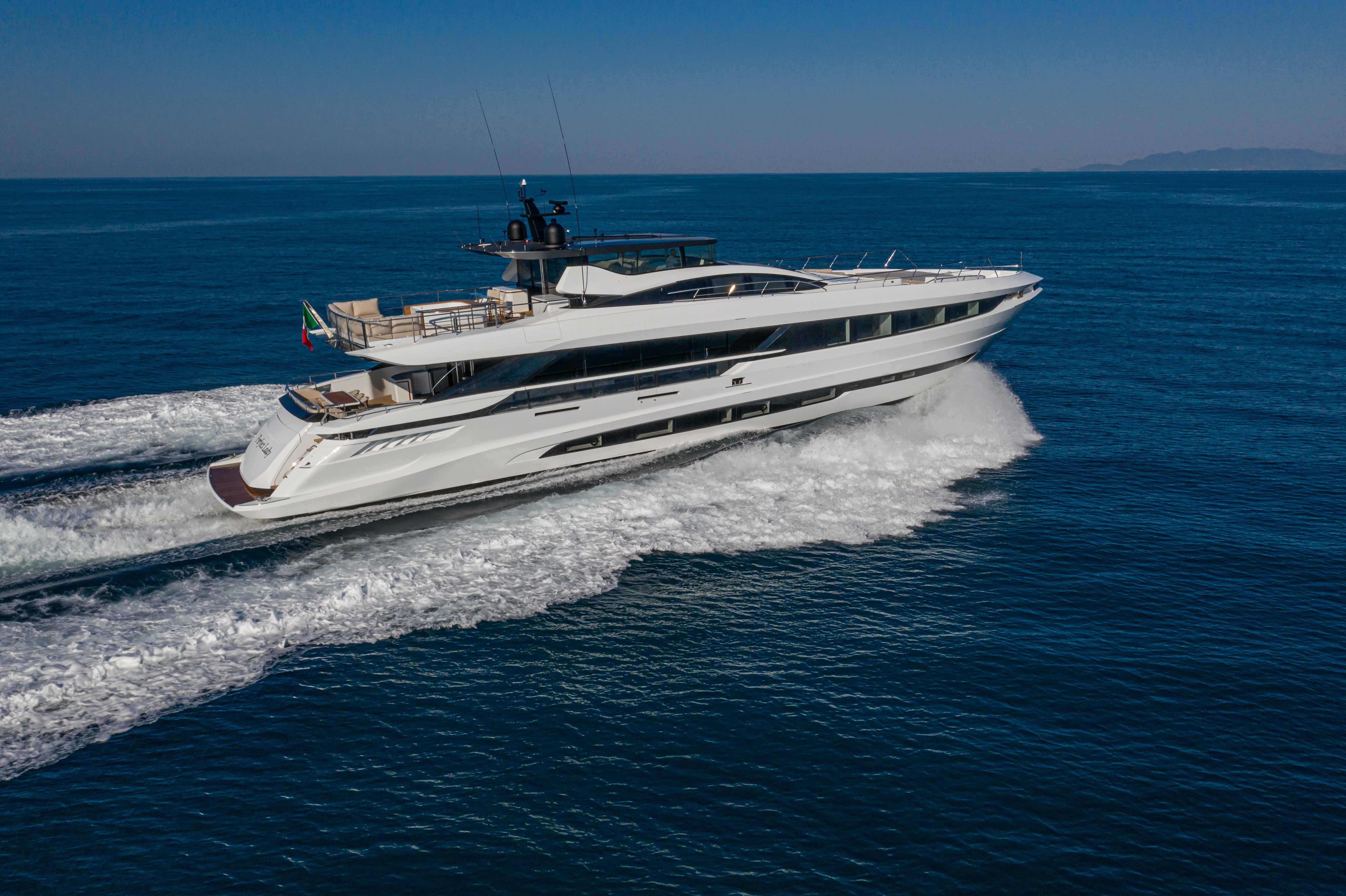 Série Mangusta GranSport 33 - la nouveauté d'Overmarine Group S.P.A va faire ses débuts au FLIBS 2020