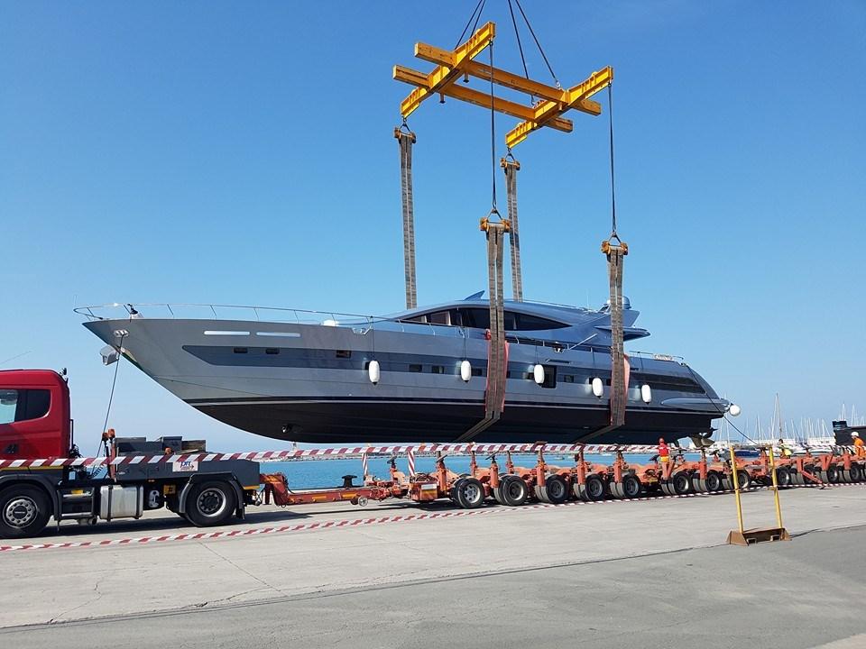 Superb Ccn Launches New 31M Flyingsport Yacht Yacht Harbour Creativecarmelina Interior Chair Design Creativecarmelinacom