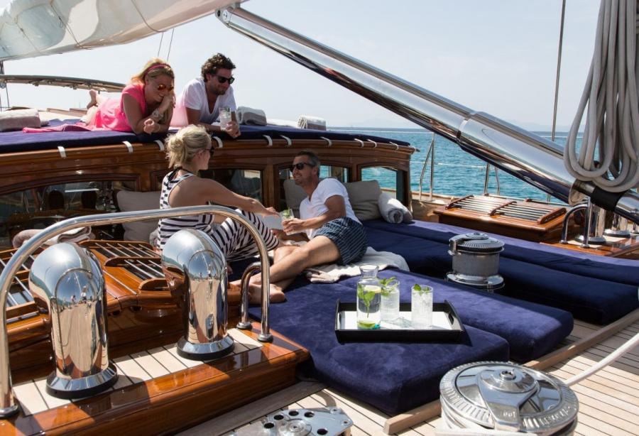 yacht This Is Us
