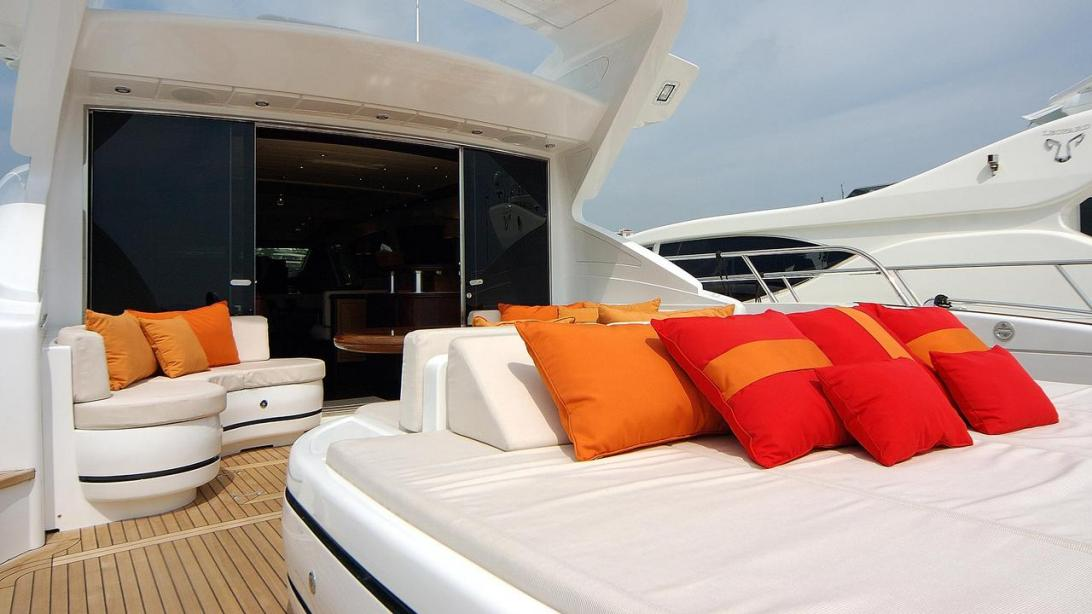 yacht Chill Out