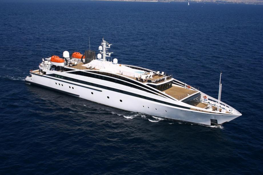 Motor yacht Elegant 007 - Lamda - Yacht Harbour