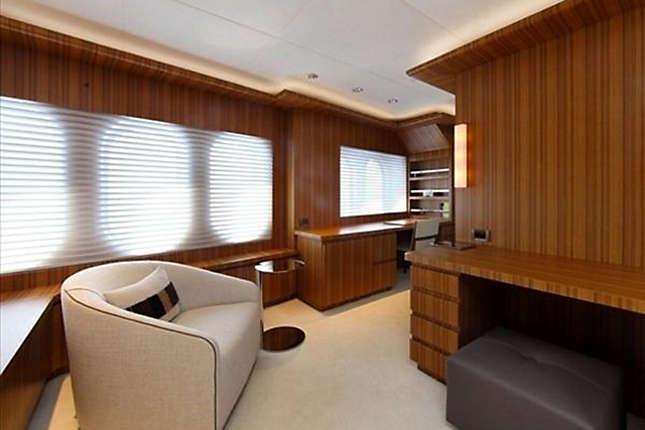 yacht Sea Shell