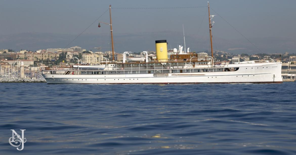yacht SS Delphine