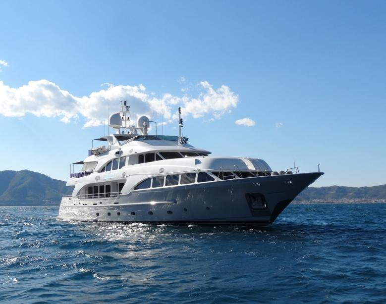 yacht Quest R